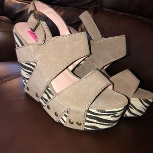 Betsy Johnson wedge shoes